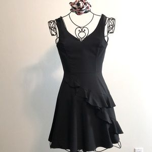 IBISS Black Form-fitted Ruffle Dress Size Large